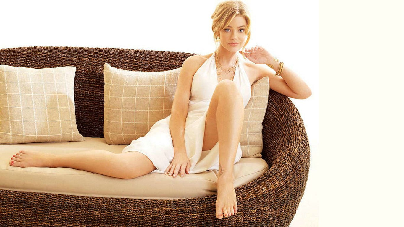 Who is denise richards dad dating 9